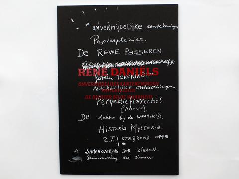 Voorkant van het boek Onvermijdelijke Aantekeningen / Papierplezier / De Dichter bij de Waarheid, ontworpen door Gabriele Götz. De Monsterkamer
