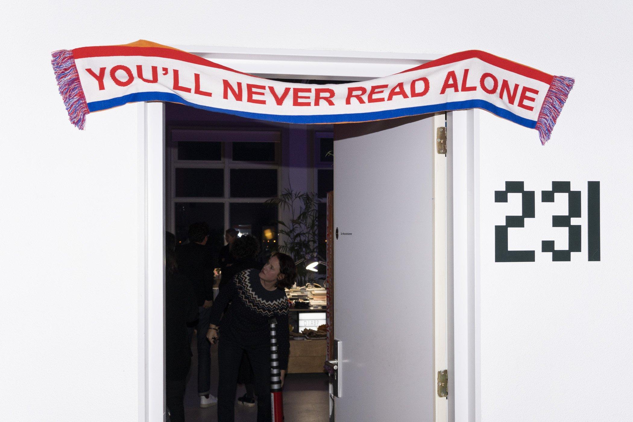 You'll never read alone. Fotoverslag kerstborrel de Monsterkamer met DIABP en de Fotograaf des Vaderlands