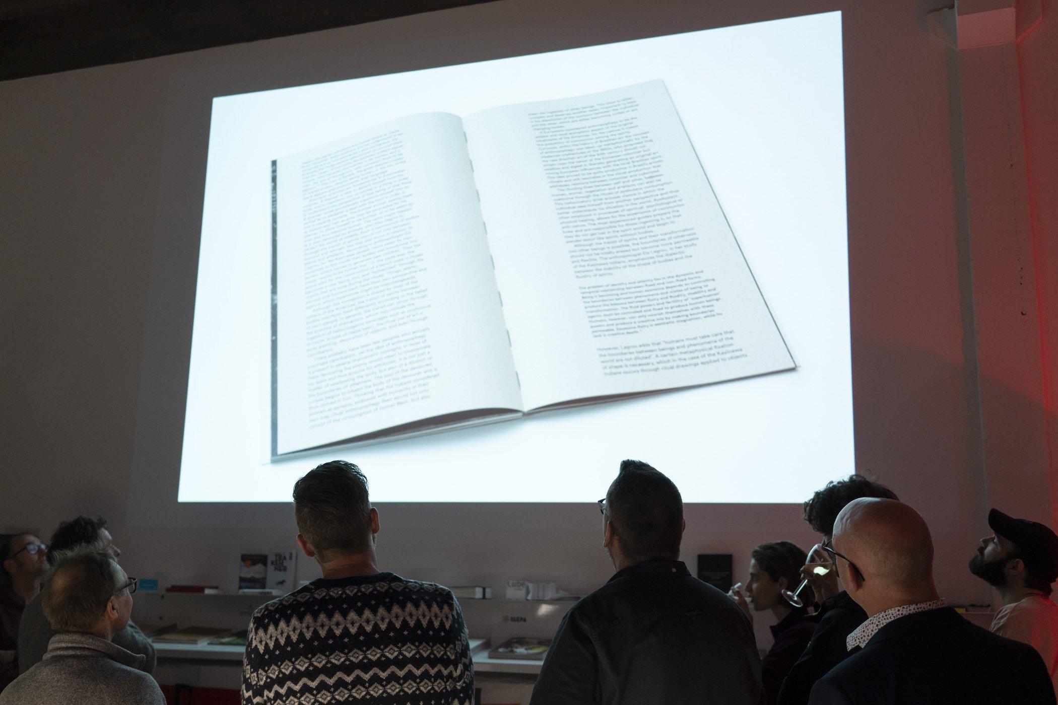 Close up presentatie. Kerstborrel de Monsterkamer met DIABP en de Fotograaf des Vaderlands