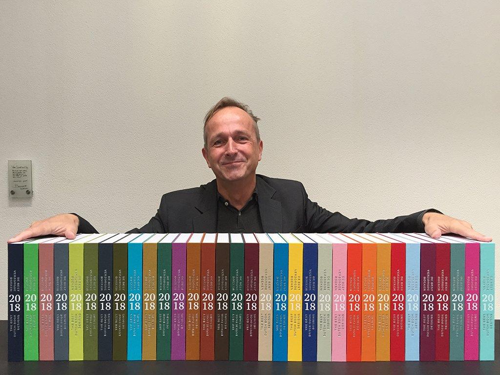 Catalogus De Best Verzorgde Boeken 2018. 33 kleuren Brillianta linnen. Door Gert Jan Slagter