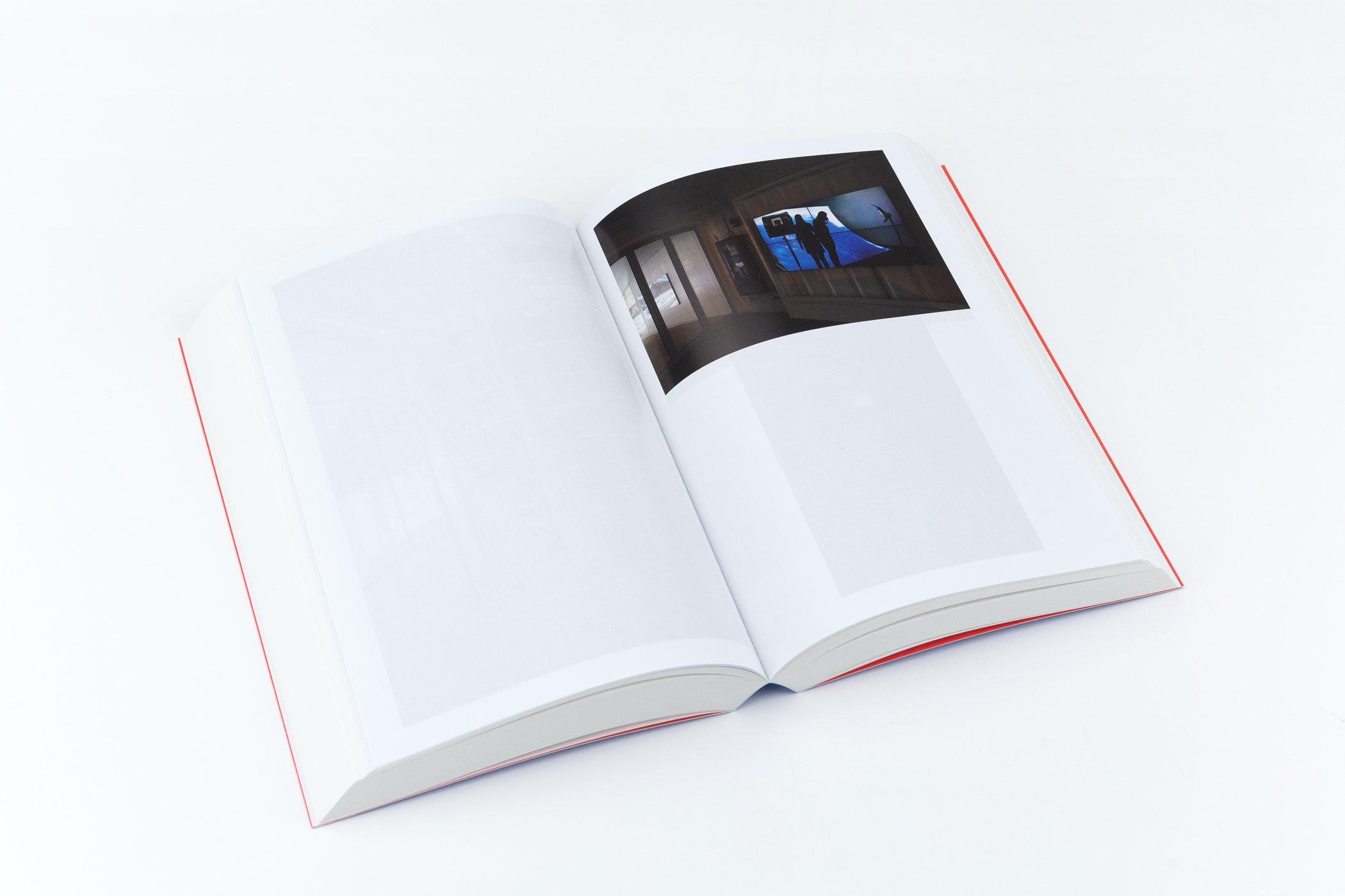 Een spread uit het boek Angie Keefer: Second Thoughts. Door Kunstverein.