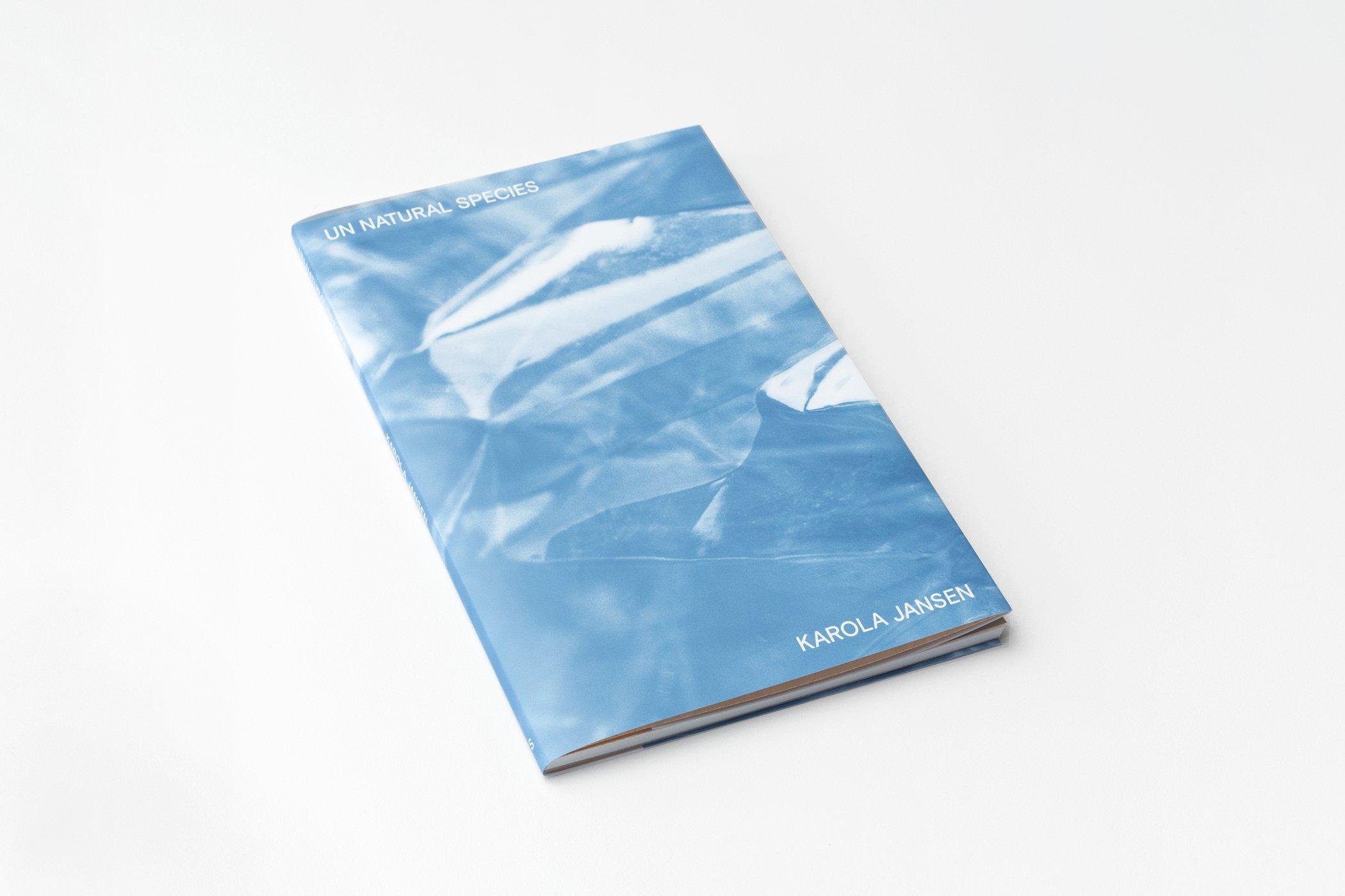 Omslag van het boek Karola Jansen: Un Natural Species. Studio Suze Swarte